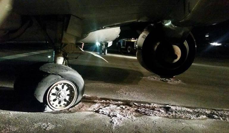 avión aeropuerto internacional El Dorado: Pericia de pilotos y controladores aéreos evita tragedia en pista sur del Dorado