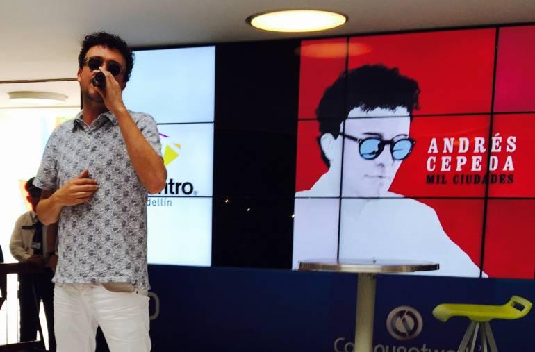 El artista en su presentación en Medellín