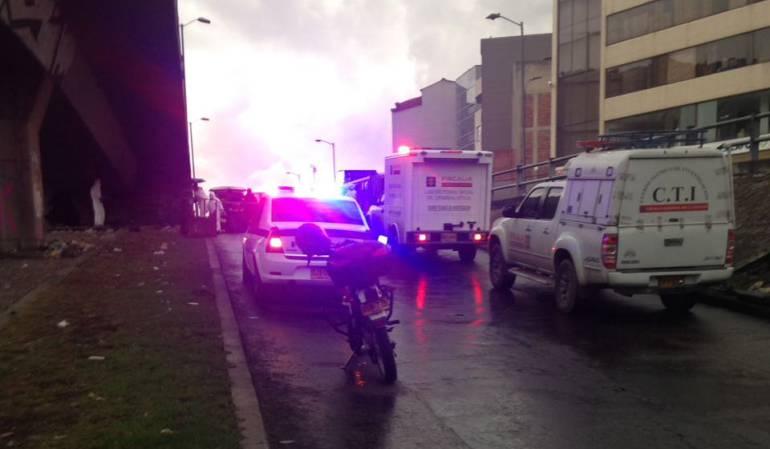 Investigan la muerte de habitante de calle en el túnel de la 80