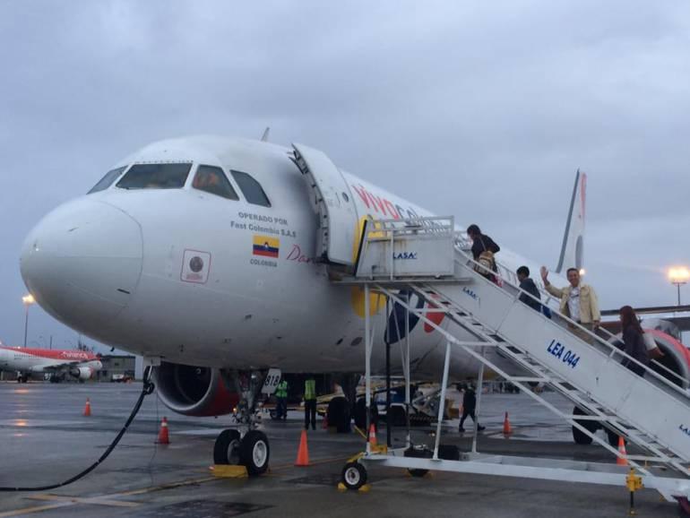 VivaColombia aclara que su avión nunca declaró emergencia ni fuga de gasolina