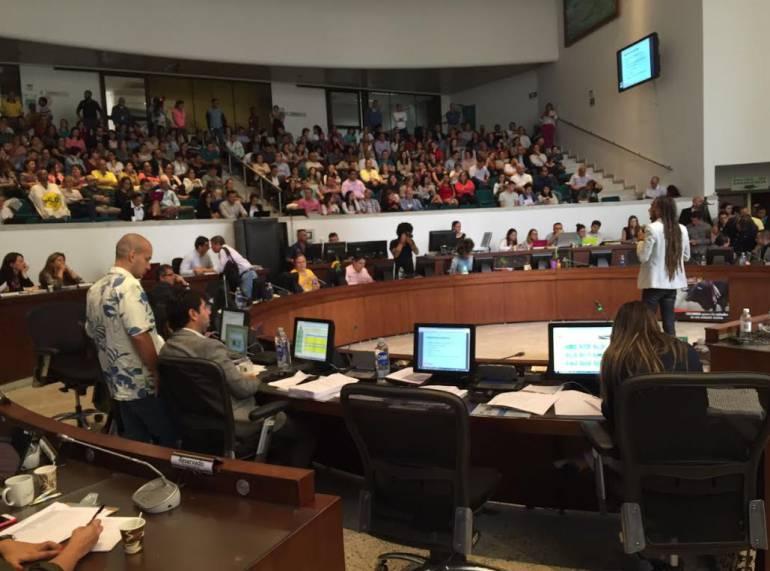 contraloría reafirma quejas sobre compra de EPM en Chile: Concejales de Medellín: Fallo de la contraloría reafirma quejas sobre compra de EPM en Chile: Concejales de Medellín