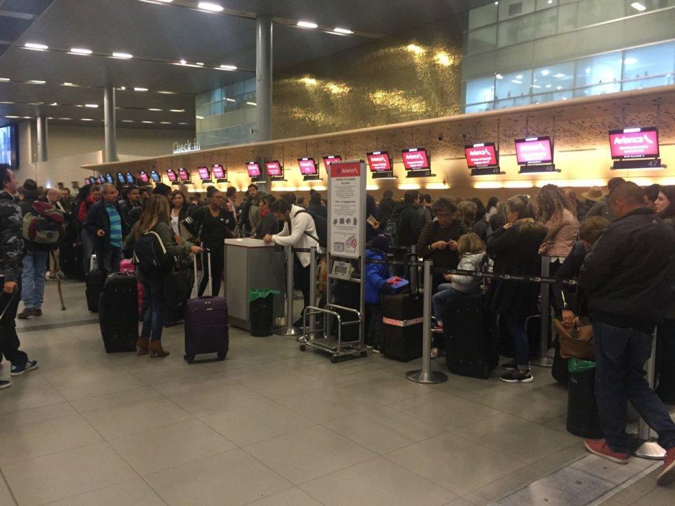 Algunos bogotanos reservaron sus vuelos, otros buscan un cupo en los aviones para estar en Navidad con sus familias.