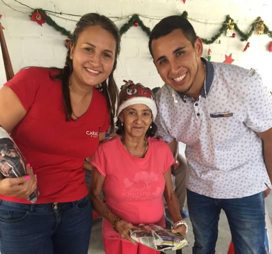 Caracol Radio entregó regalos de navidad a tres fundaciones