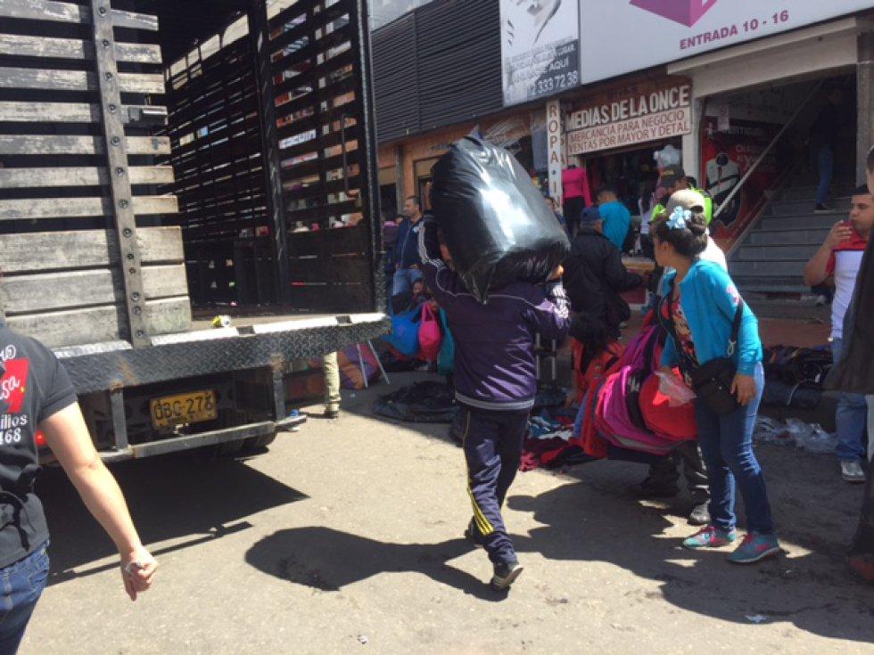 En promedio los bogotanos invierten cerca de 87.000 pesos en los regalos de navidad.