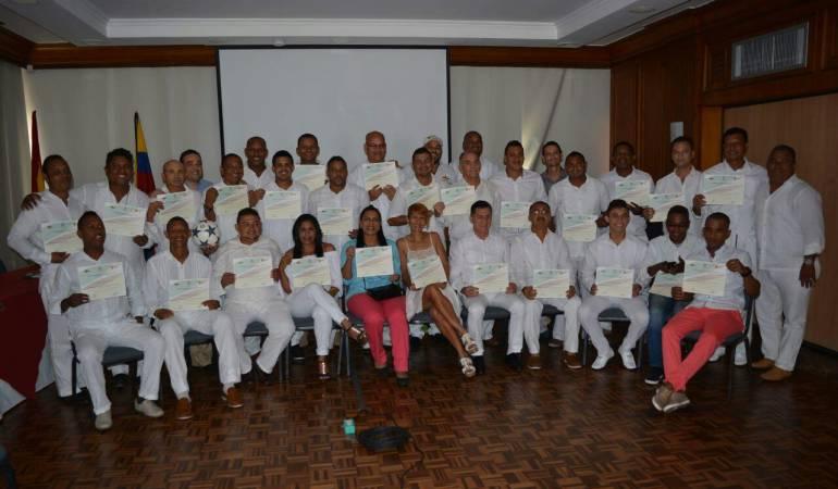 Alcaldía local de Cartagena capacita a entrenadores de fútbol a la manera europea