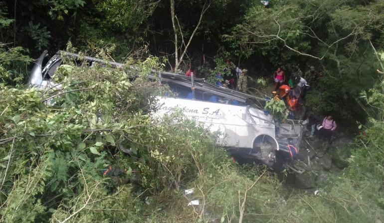 Cinco víctimas fatales deja accidente de un bus en la vía Panamericana