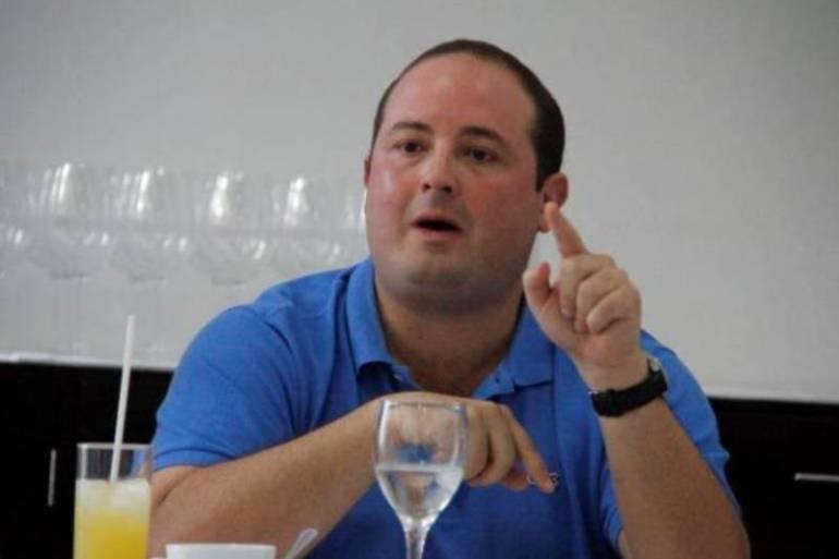 Muere niña por vacuna del papiloma humano: Senador Fernando Araujo: Muere niña por vacuna del papiloma humano: Senador Fernando Araujo