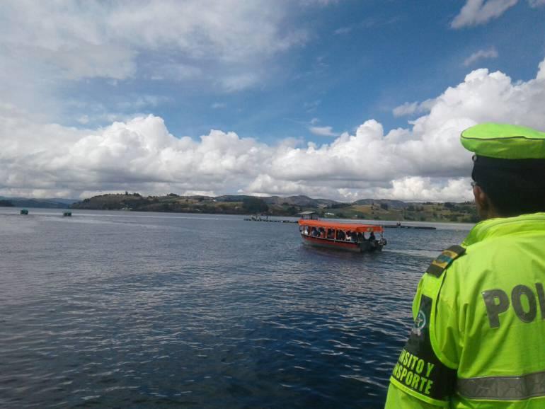 Más de 1.500 turistas han navegado el Lago de Tota durante el puente festivo de Reyes en Boyacá: Más de 1.500 turistas han navegado el Lago de Tota durante el puente festivo de Reyes en Boyacá