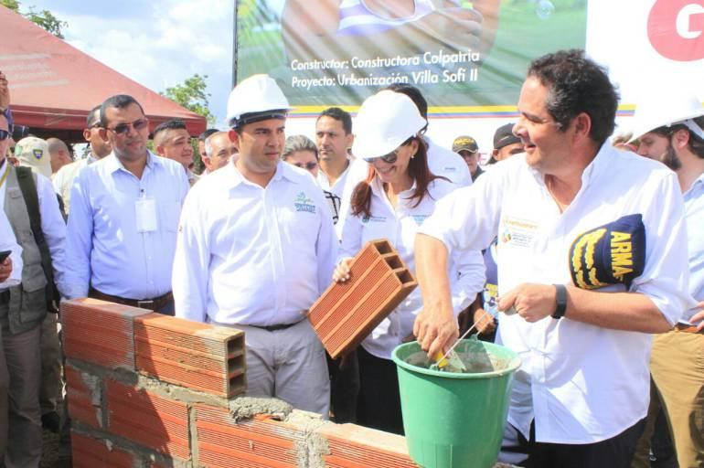 En el municipio de Nueva Granada se dio inicio a la construcción de 200 viviendas gratis en el Urbanización Villa Sofi II. Este proyecto será ejecutado por constructora Colpatria. Fotografía Gobernación del Magdalena.