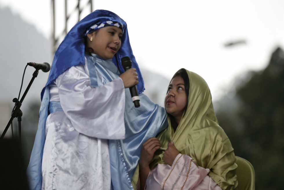 Los hechos del nacimiento del niño Jesús también son representados teatralmente.