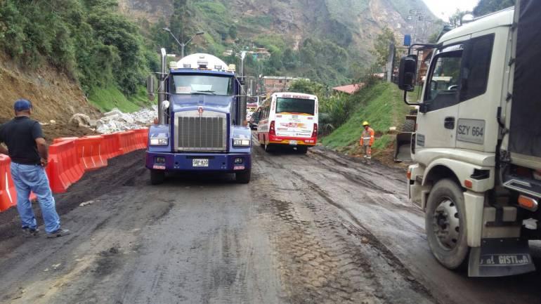 Autopista Medellín-Bogotá: Vuelven a cerrar la autopista Medellín-Bogotá en el kilómetro 14+350