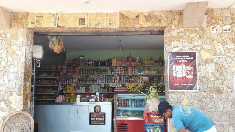 """Tienda """"Mi Mercado"""", al norte de Barranquilla."""
