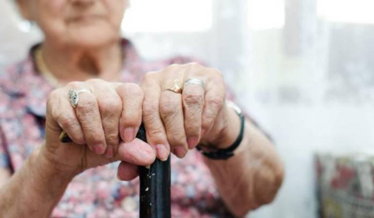Adultos mayores: En Armenia van en aumento los casos de los abuelos abandonados