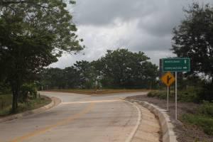 Carretera a Puerto Libertador, frente a Puente Uré, ya está pavimentada