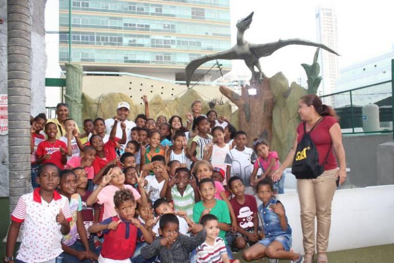 Niños de Localidad de la Virgen y Turística disfrutaron de un grandioso día, lejos de su realidad cotidiana: Niños de Localidad de la Virgen y Turística disfrutaron de un grandioso día, lejos de su realidad cotidiana
