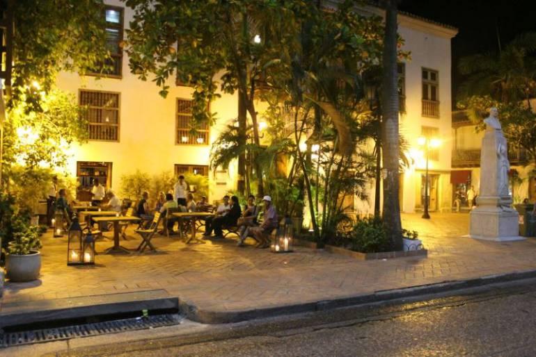 Alcaldía de Cartagena intensifica control del espacio público utilizado por los hoteles: Alcaldía de Cartagena intensifica control del espacio público utilizado por los hoteles