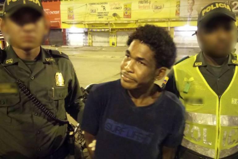 Autoridades capturan en flagrancia a alias El Duende por hurtar a un ciudadano en Cartagena: Autoridades capturan en flagrancia a alias El Duende por hurtar a un ciudadano en Cartagena