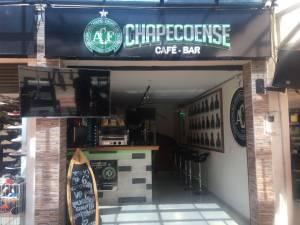 En Medellín inauguran el café bar Chapecoense