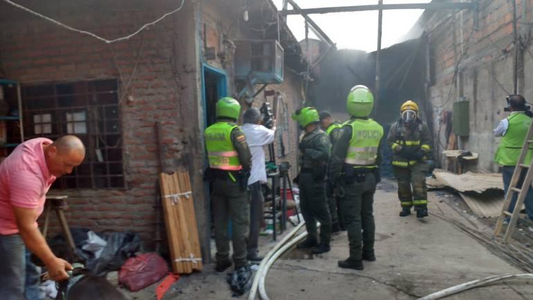 Incendio en fabrica: Incendio en Colchonería en el oriente de Cali deja millonarias pérdidas