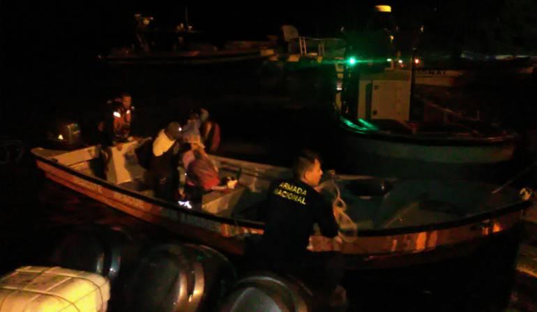 Migrantes en San Andrés: Armada Nacional halló tres migrantes ecuatorianos a bordo de una lancha con logotipos de la Defensa Civil Colombiana