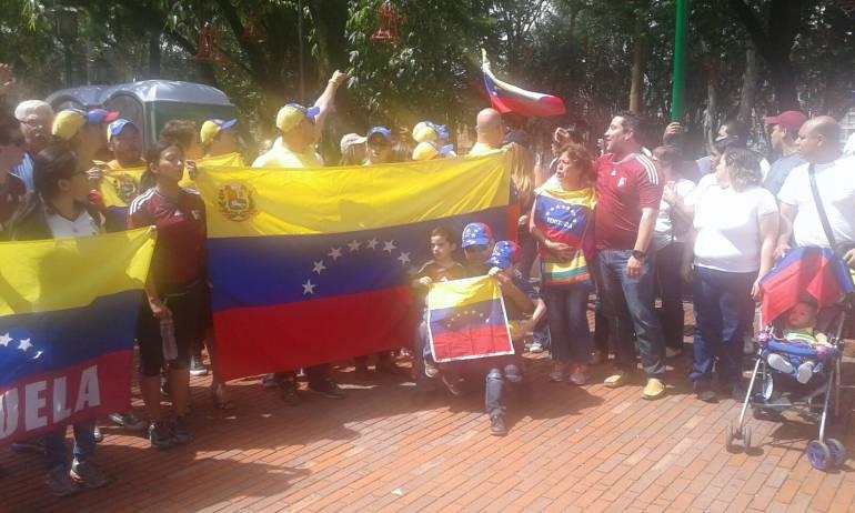 VENEZOLANOS MEDELLÍN VENEZUELA TRUMP LEOPOLDO: Venezolanos en Medellín protestaron contra Maduro y exigen libertad de Leopoldo López