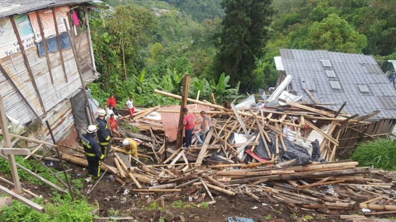 Así quedó la vivienda que se desplomó en el barrio El Carmen de Manizales.