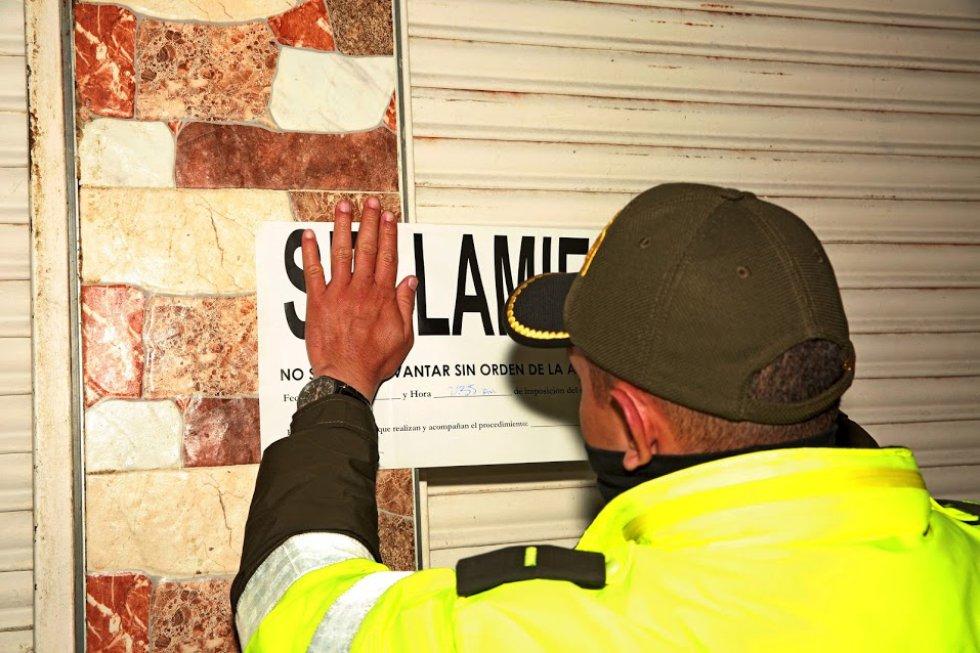 En el operativo también fueron capturadas varias personas que trabajaban en un establecimiento que fabricaba embutidos con carne en estado de descomposición.