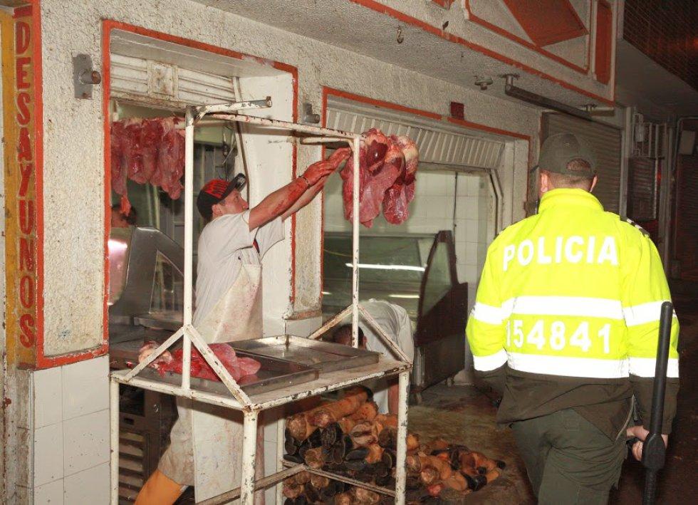 Caracol Radio se abstiene de publicar otras imágenes suministradas por las entidades que formaron parte del operativo y que evidencian el peligro de las inexistentes medidas sanitarias en el lugar.