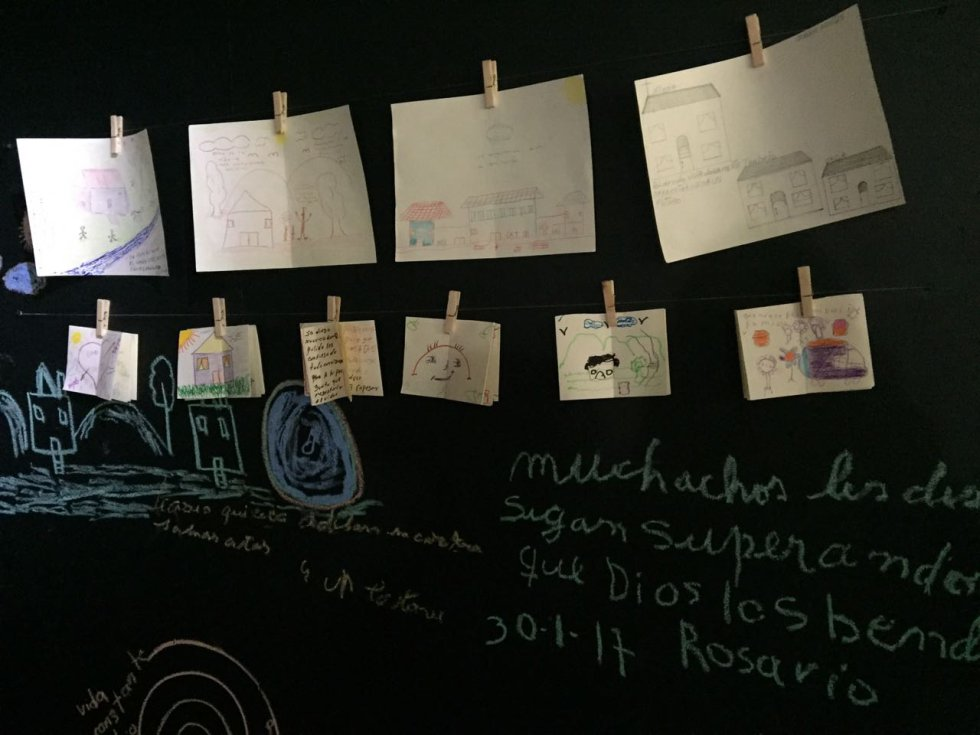 En total fueron 300 habitantes de calle en rehabilitación que presentaron está muestra artística en el centro de Bogotá.