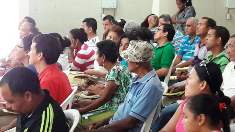 Escuela de Gobierno y Liderazgo capacita a vendedores del Mercado Santa Rita: Escuela de Gobierno y Liderazgo capacita a vendedores del Mercado Santa Rita
