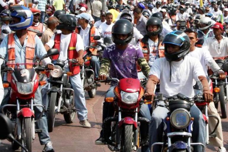 El uso de motos produjo la muerte de 4 mil 400 personas en Colombia durante el 2016 según el Ministerio de Tránsporte.