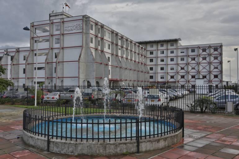 En el Hospital de Caldas se recupera elhombre de 50 años que cayó desde un techo de 15 metros de alto. Su hijo murió hace unos minutos.