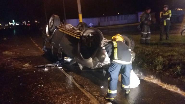 Accidente de tránsito provocado por lluvias dejó dos personas heridas en la vía Paipa-Duitama: Accidente de tránsito provocado por lluvias dejó dos personas heridas en la vía Paipa-Duitama