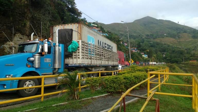 Derrumbe: 40 mil millones de pesos vale superar emergencia en vía a Buenaventura