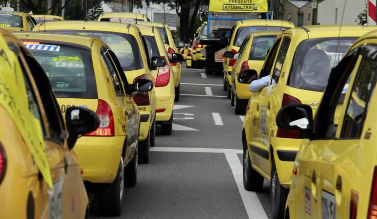 Uber: Los taxistas amenazan con un paro nacional en abril