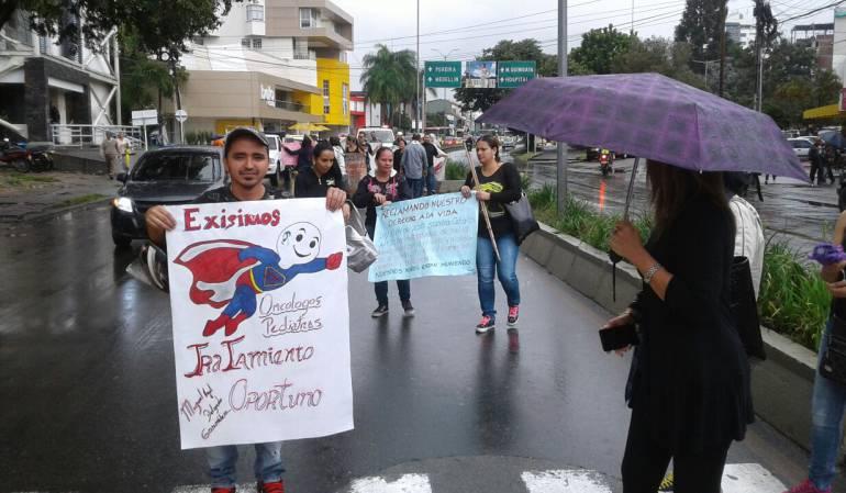 Los manifestantes eran personas o familiares con cáncer.