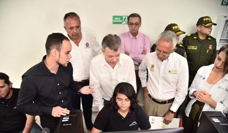 Presidente Juan Manuel Santos acompañado por el alcalde de Ibagué Guillermo Alfonso Jaramillo