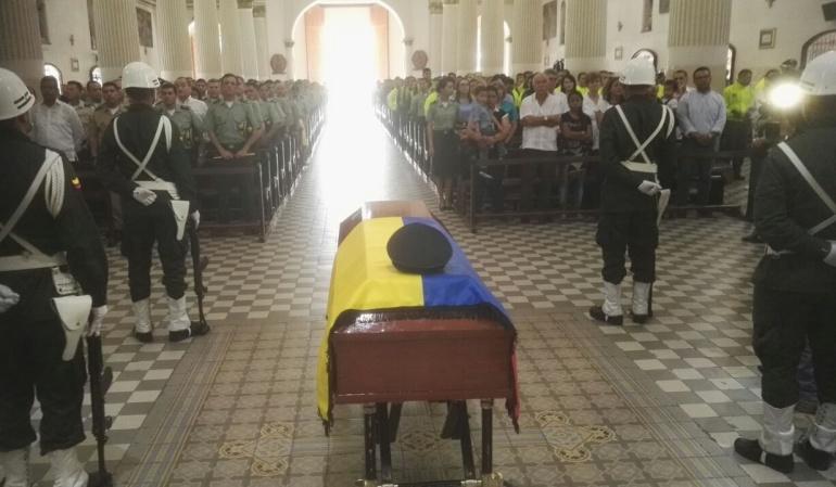 Misa de velación del capitán Víctor Manuel Benavides Hernández asesinado en Norte de Santander.