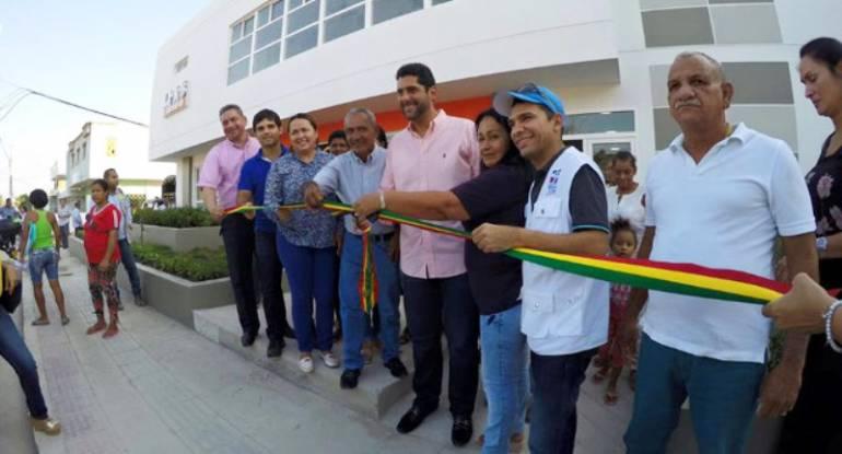 Preparan velorio simbólico por centro de salud inservible que inauguró exalcalde Vélez: Preparan velorio simbólico por centro de salud inservible que inauguró exalcalde Vélez