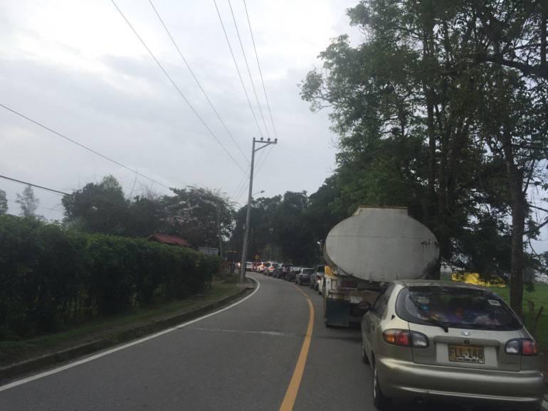 MESA DE LOS SANTOS TRANCONES SANTANDER: Con dificultades bajan de la Mesa de los Santos al final del puente festivo