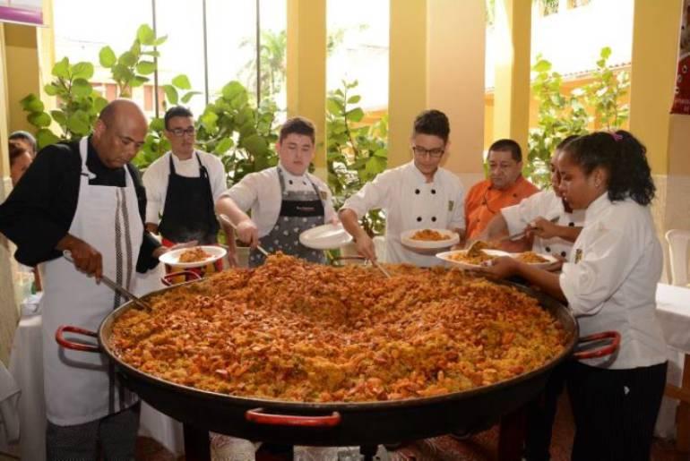 En Cartagena, dos mil personas disfrutarán la paella más grande del país: En Cartagena, dos mil personas disfrutarán la paella más grande del país