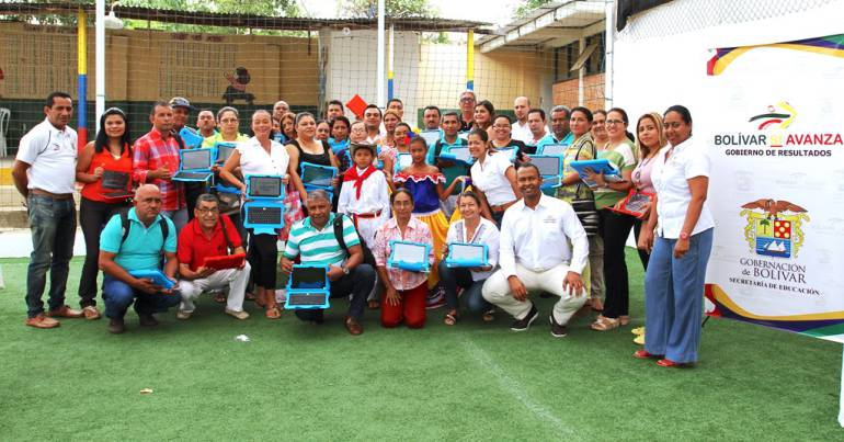 26 estudiantes de San Jacinto Bolívar reciben entrenamiento como astronautas
