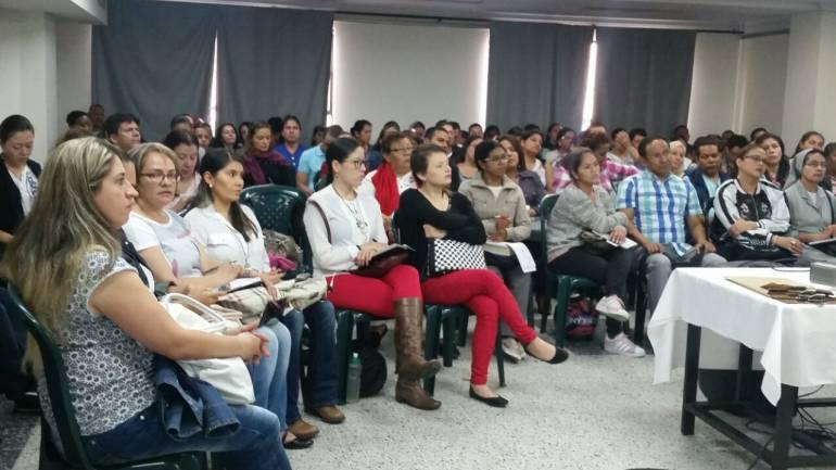 Maestros de Medellín se forman para la paz