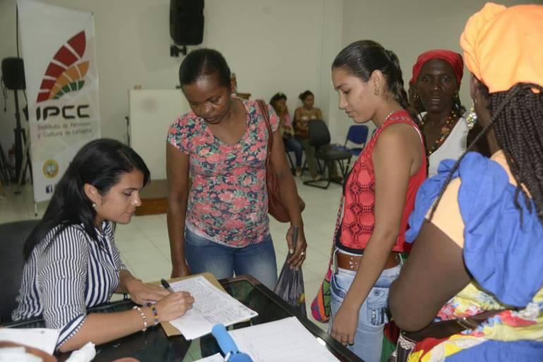 Festival del Dulce Cartagena: Capacitan en manipulación de alimentos a preinscritas del Festival del Dulce