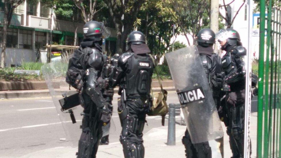 Debido a los disturbios está bloqueada la calle 72 entre la avenida Caracas y la carrera 9.