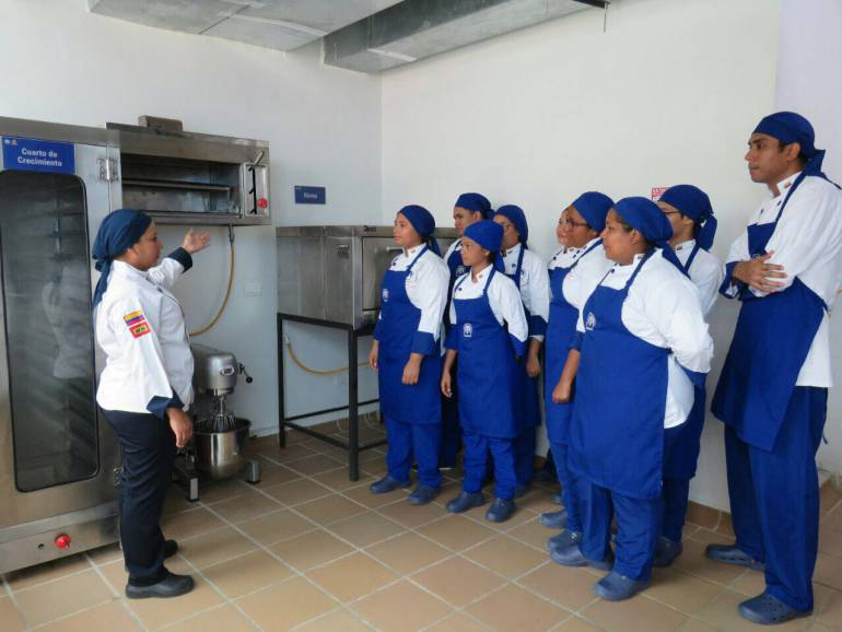 Tecnar Cartagena inaugura moderno laboratorio de cocina: Tecnar Cartagena inaugura moderno laboratorio de cocina