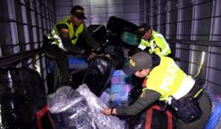 """Marihuana: Incautan media tonelada de marihuana en camión con """"ayuda humanitaria"""" para Mocoa"""
