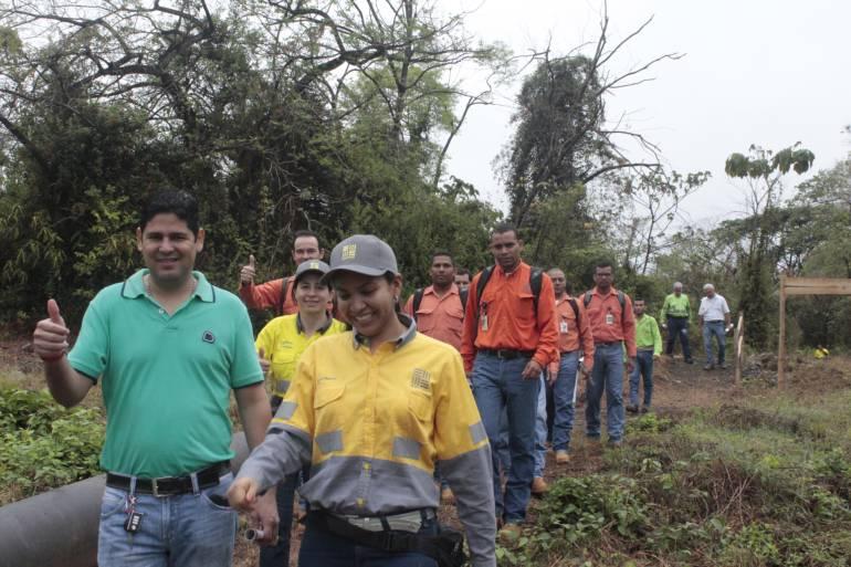 El sendero ambiental de Cerro Matoso, una manera de aprender a través de los sentidos