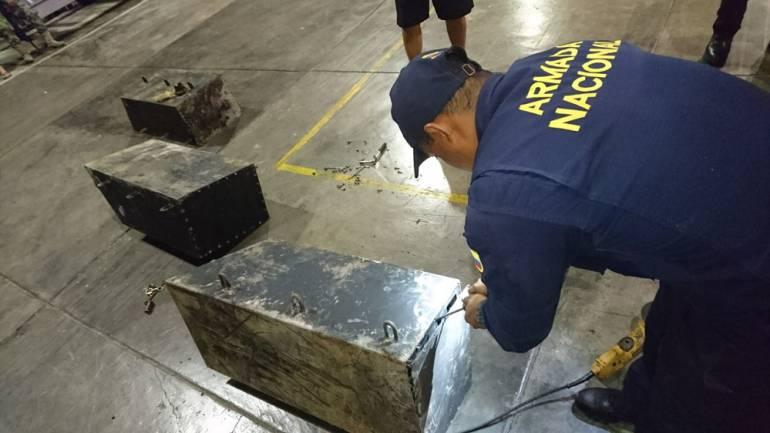 Con dispositivos metálicos con cocaína, iban a contaminar buques mercantes en el Pacífico