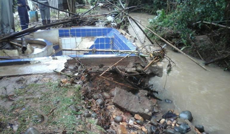 Lluvias Valle: Viviendas inundadas deja el desbordamiento del rio Jamundi